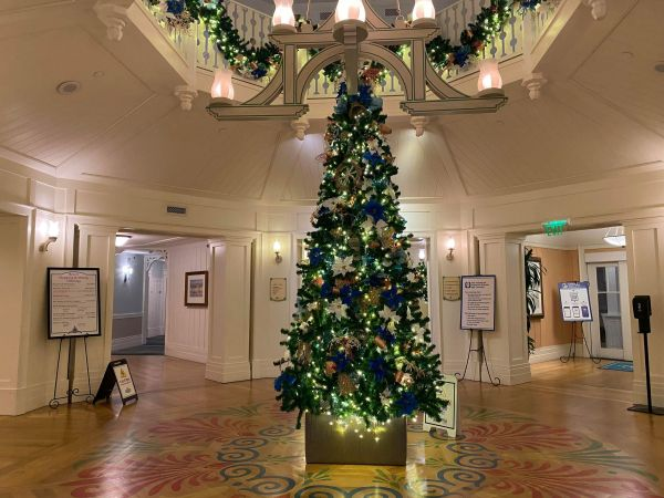 Christmas decorations delight guests at Disney's Beach Club Resort 8