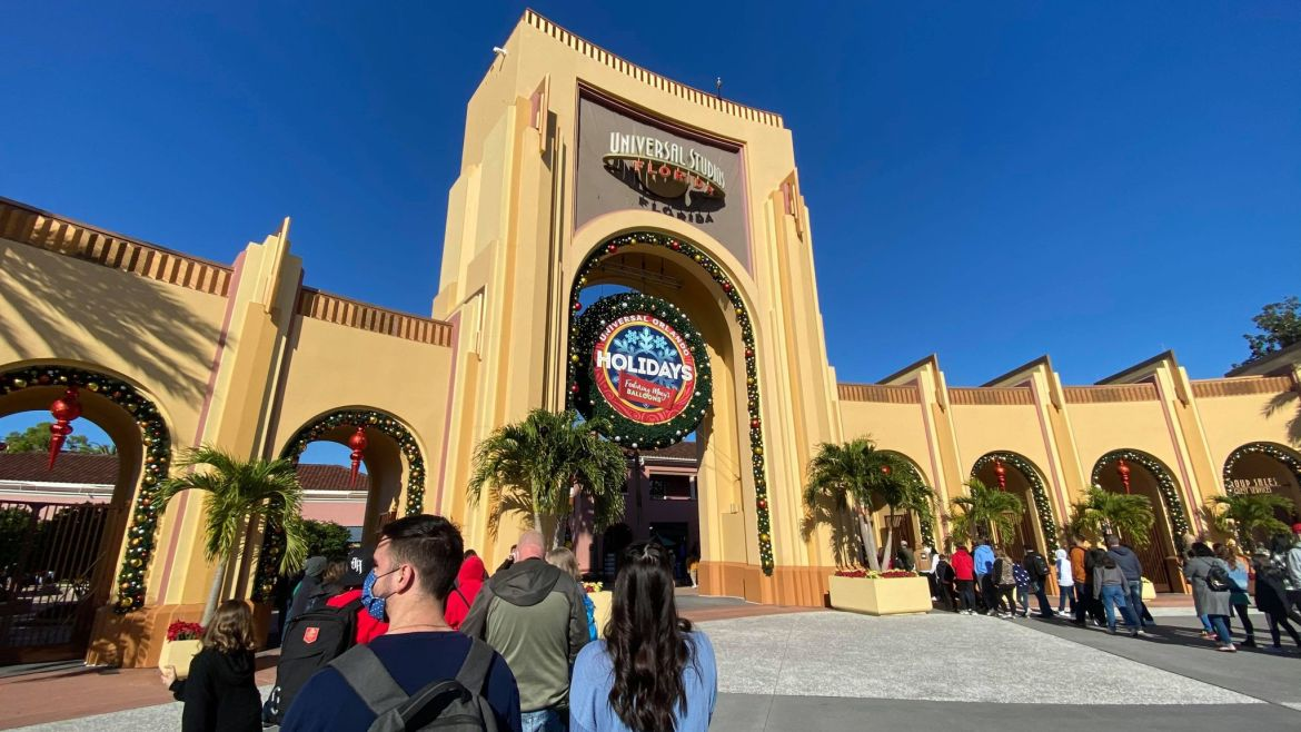 Universal Orlando reaches capacity just 10 minutes after opening