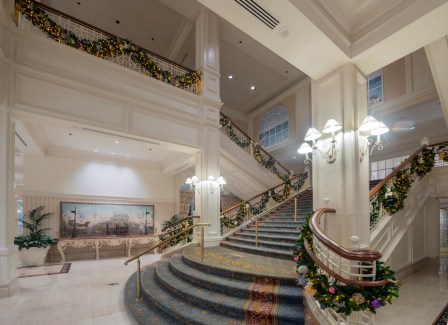 Walt Disney World Resort Hotels Celebrate the Holidays 3
