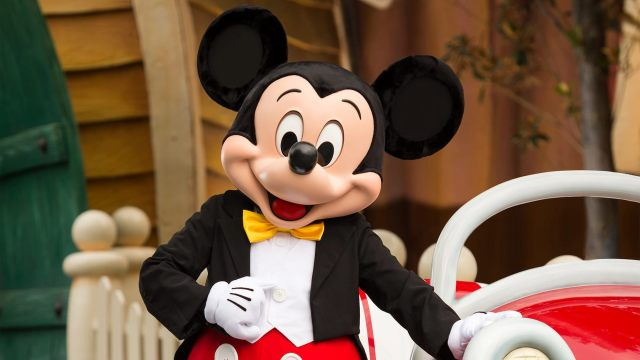 Disney considers eliminating monthly payments for Disneyland annual passes 1
