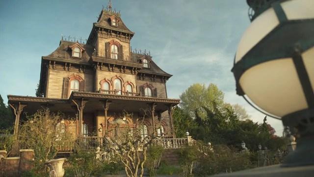 Take a Virtual Ride through the Phantom Manor at Disneyland Paris 1