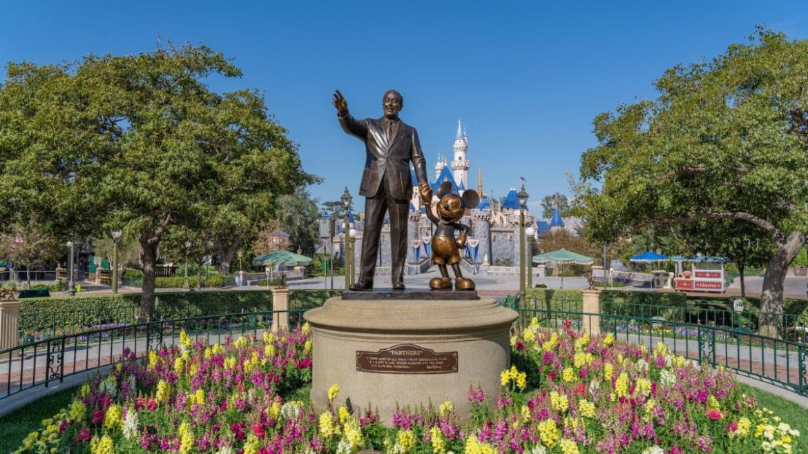 Bob Chapek looking at Late April Reopening for Disneyland