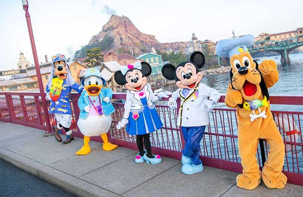 Tokyo Disneyland changes theme park greeting from Ladies & Gentleman to Welcome Everyone