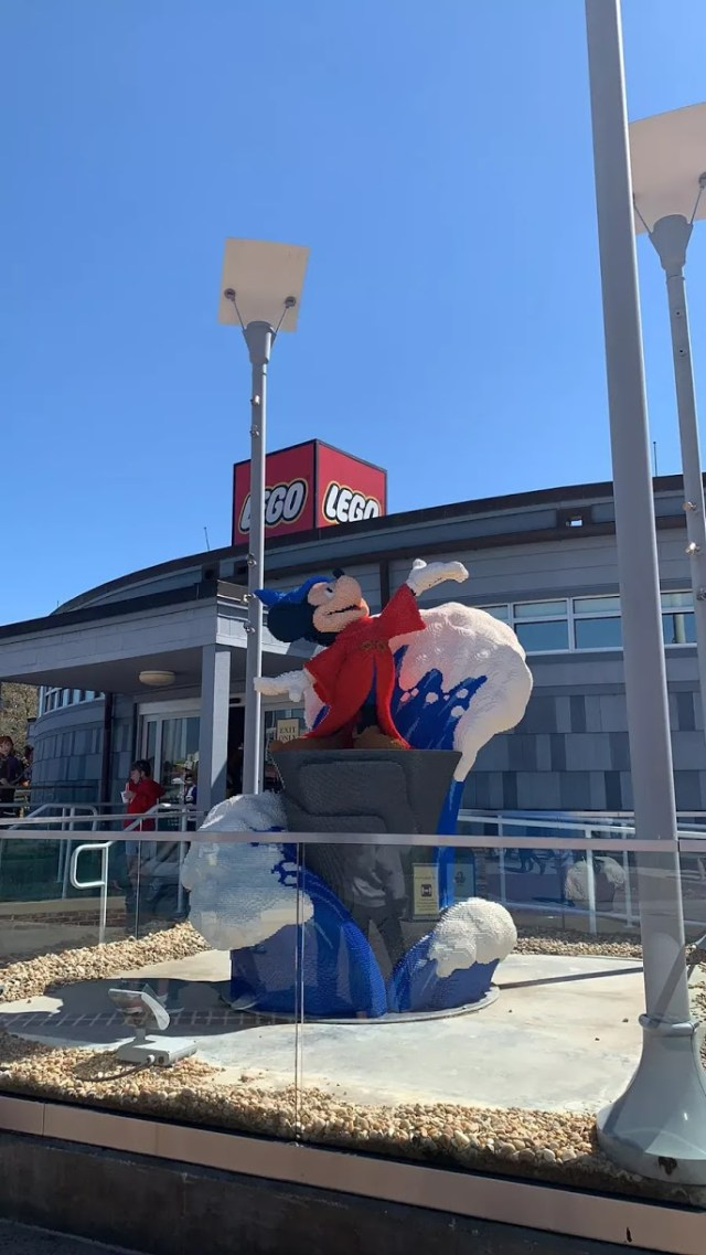 Sorcerer Mickey is the newest Lego Statue at Disney Springs 1