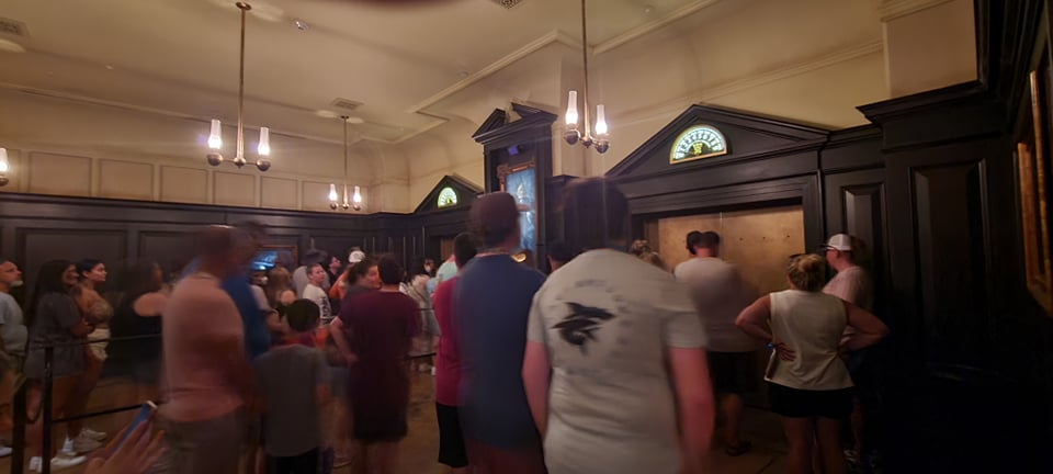 Escape from Gringotts Pre Show is running again! 2