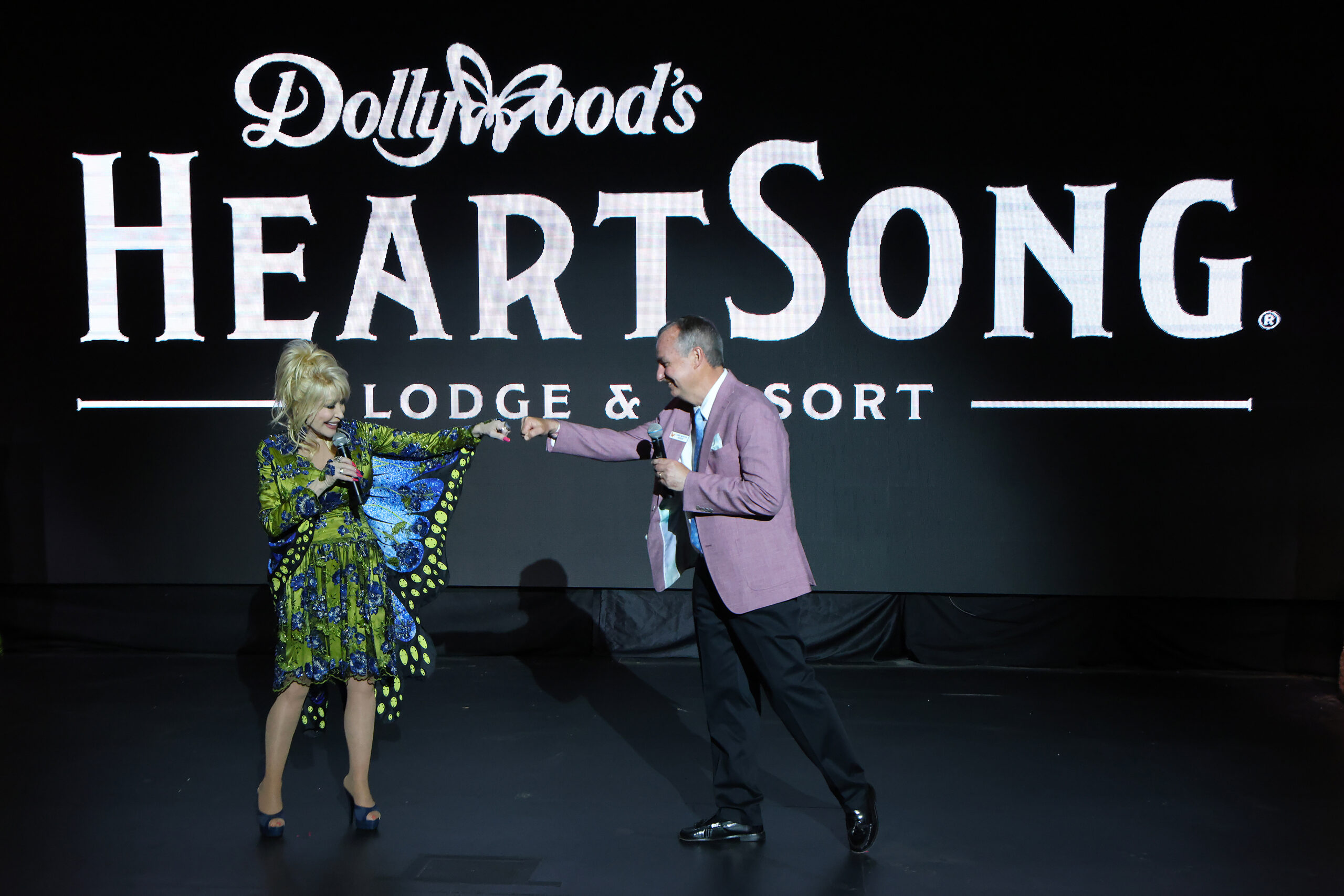 Dolly Parton's Dollywood Announces New Resort Property - HeartSong Lodge & Resort 1
