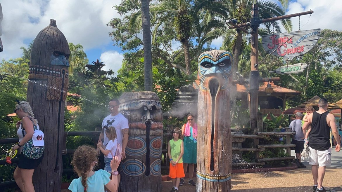 Liki Tikis Statues Are Spraying Water Again In The Magic Kingdom