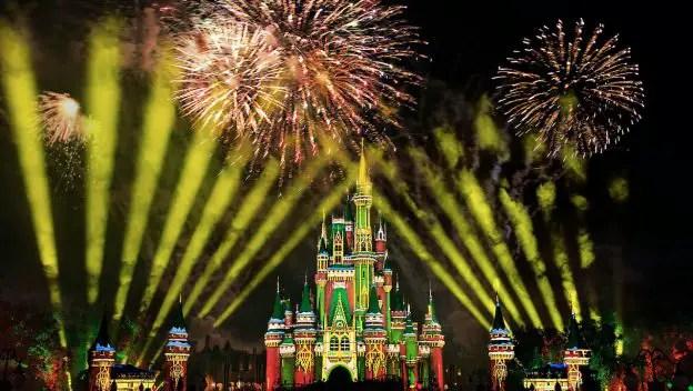 Minnie's Wonderful Christmastime Fireworks will return to the Magic Kingdom