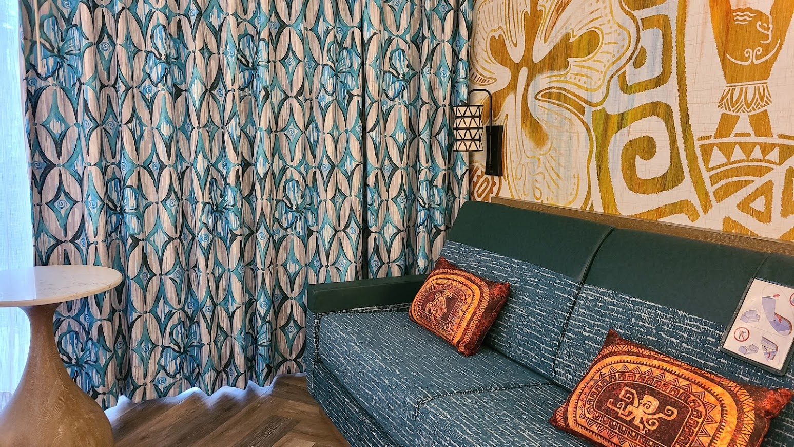 Take a tour of the new Moana Themed Rooms at Disney's Polynesian Resort 8