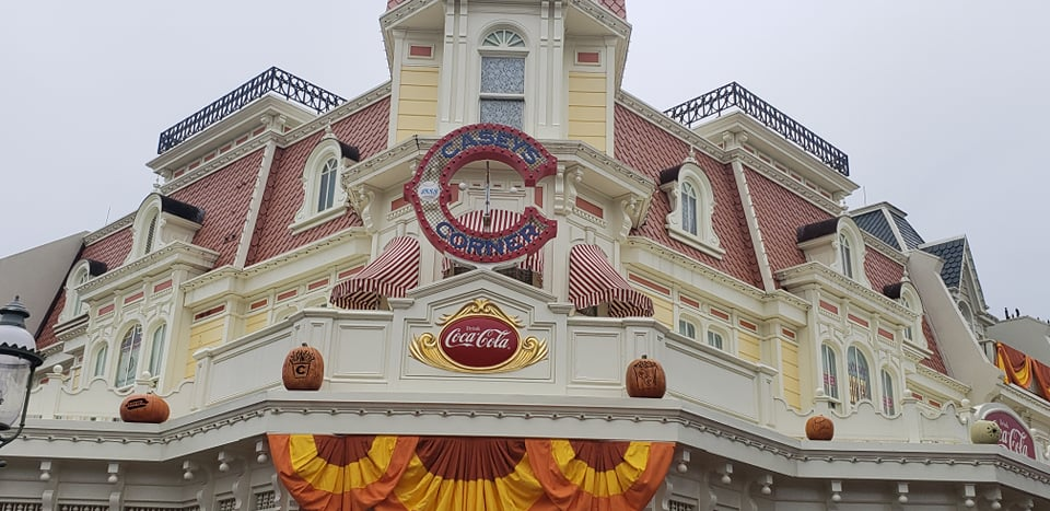 More fall decorations added to the Magic Kingdom