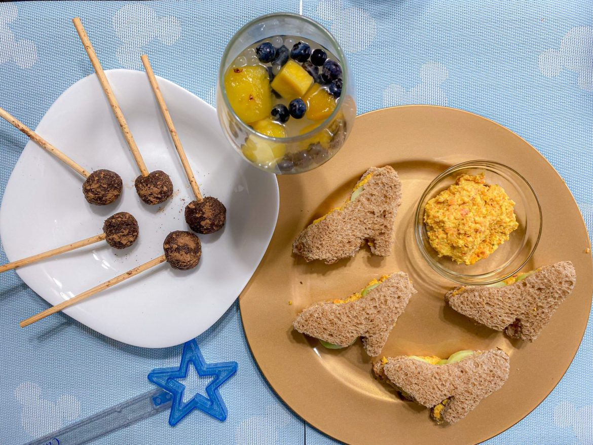 Make A Royal Princess Banquet With Dole's Recipe For Courage And Kindness!