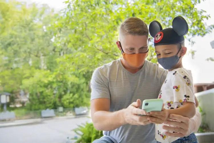 Disney World & Disneyland Expands mobile order locations