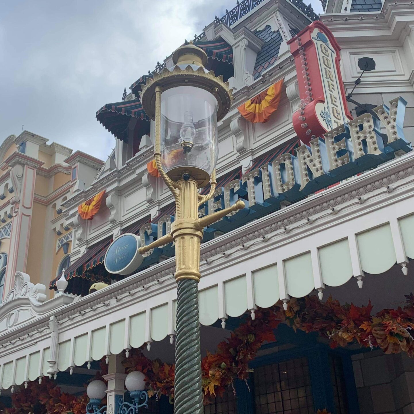 Golden Lampposts installed in the Magic Kingdom for Disney World's 50th 4