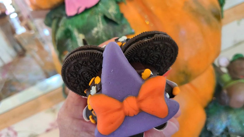 Minnie Halloween Cookie Cupcake at Grand Floridian