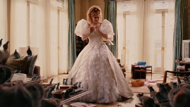 """Amy Adams Says 'Disenchanted' Will Have """"A Lot More"""" Singing and Dancing 1"""