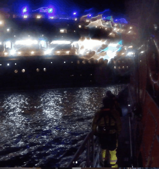 Guest evacuated from the Disney Magic due to injury 2