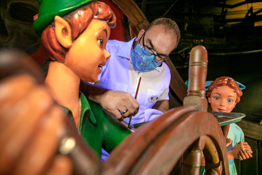 Behind the scenes of the preparations for Disney World 50th Anniversary Celebration 4