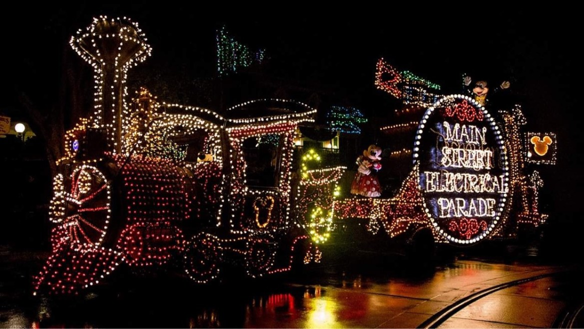 Main Street Electrical Parade is Returning to Disneyland