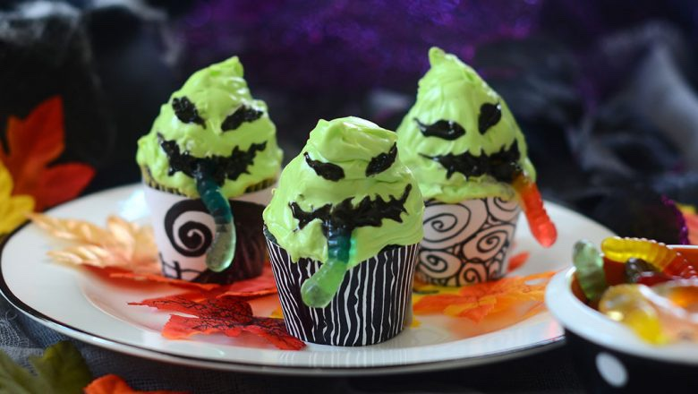 Spookily Delicious Oogie Boogie Gummy Worm Cupcakes To Bake This Halloween!