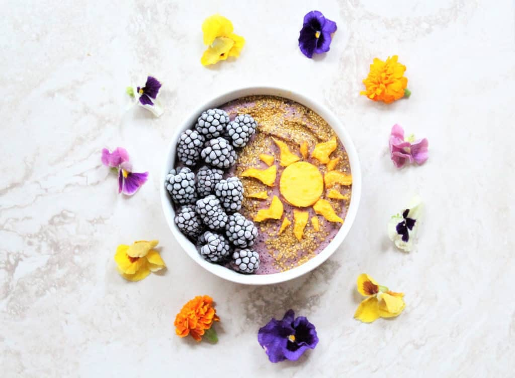 Get Ready To Have The Best Day Ever With This Rapunzel Smoothie Bowl!