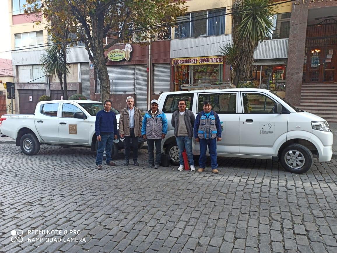 Donación de vehículos fortalece la gestión municipal de Chipayas