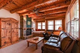 Accommodations Ridgway Colorado Hotel has living room and day bed