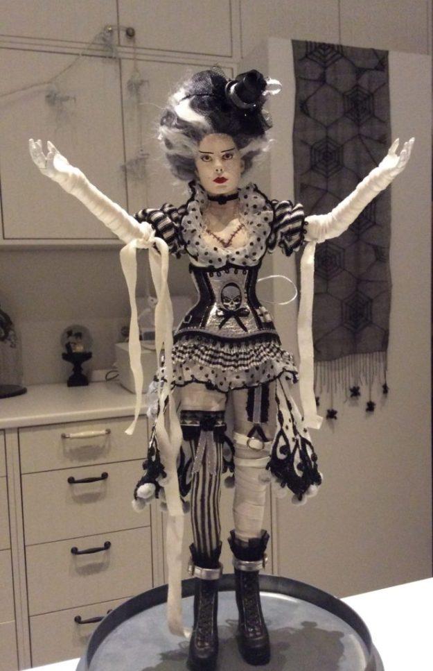 Suzanne Forbes Sideshow Bride of Frankenstein custom