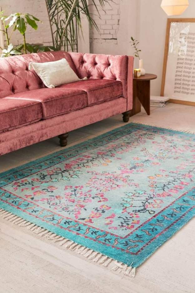 How the Choose the Perfect Area Rug for your Living Room