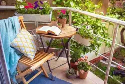 balcony garden featured e1539325611397 Balcony Garden
