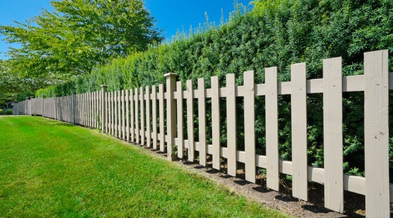 7 Things you Should Keep in Mind For Garden Fence Construction Garden Fence