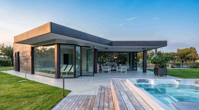 PMBS1549 copia uai 2000x1125 1 building a pool house