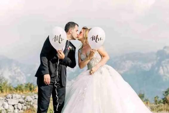 wedding photography poses kiss Wedding Photography Tips
