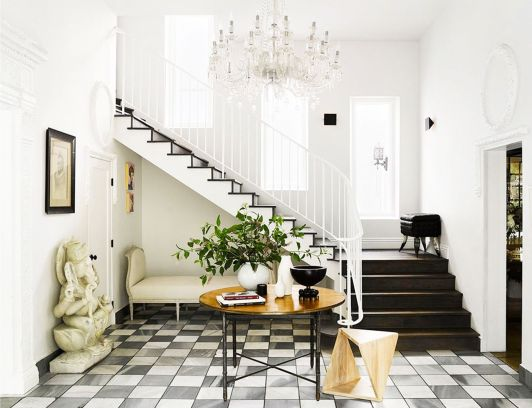 How to Decorate the Entryway