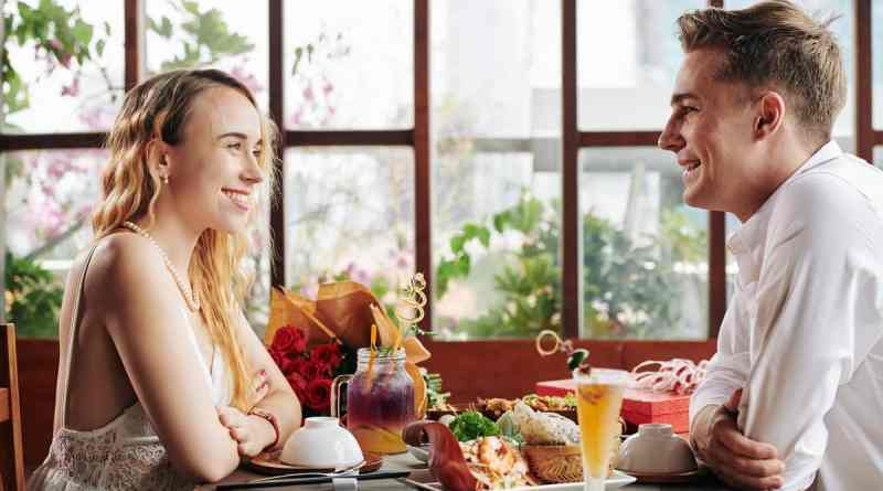 Young couple at first date Romantic Date Ideas in Jacksonville