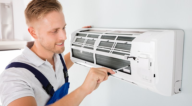 Hire a Professional Technician for the Mechanism of AC air conditioning service on the Gold Coast