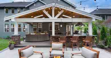 Beautiful Outdoor Living Spaces 07 1 Kindesign summer roof