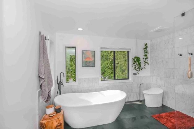zac gudakov RMnc22CwVVA unsplash scaled Things for Your New Washroom