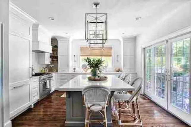 Chris Veith Stonington May. 21 2019 2 Decorating a Kitchen