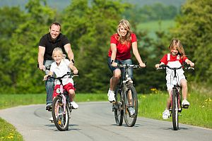 family-bicycling
