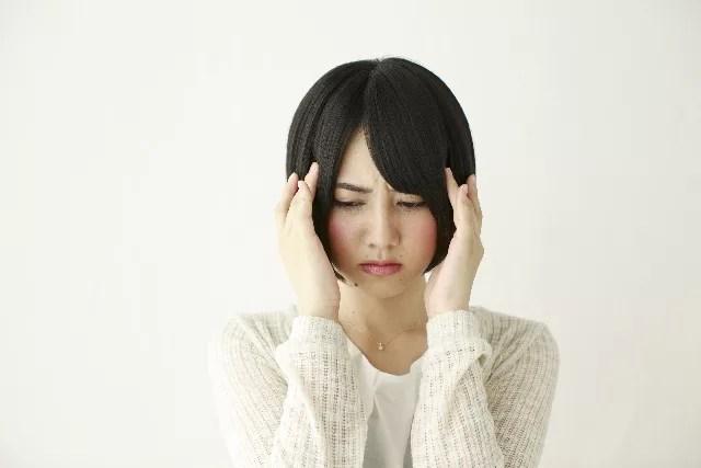 頭痛やめまいがする