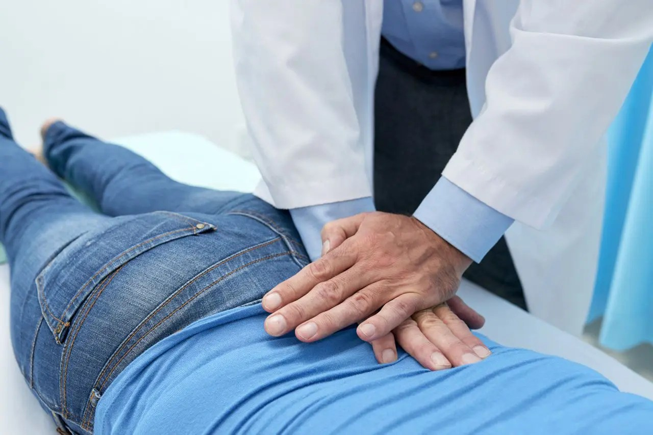 Medication For Sciatica and Natural Chiropractic Medicine