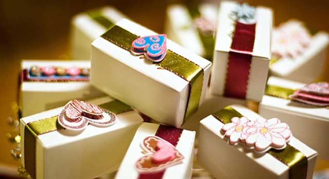 Return Gifts Culture in Weddings