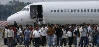 EE.UU sigue repatriando dominicanos por paquete, envía 43 más