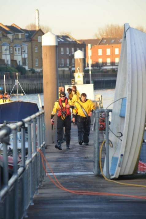 Chiswick Lifeboat RNLI Winter Practice 9