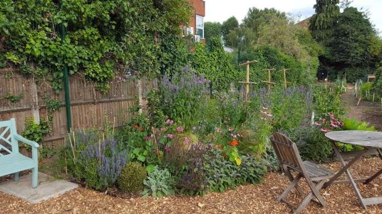 Karen Liebreich Salopian Garden Isleworth