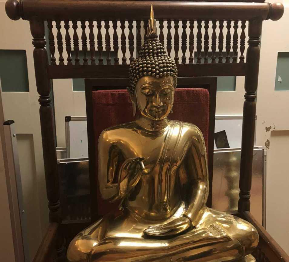 Buddha statue 2__web