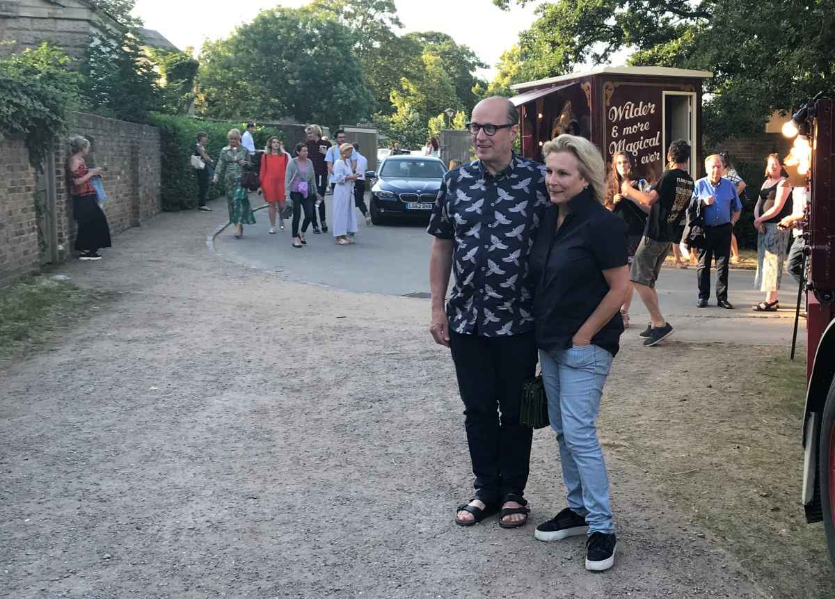 Adrian Edmondson and Jennifer Saunders arriving for the opening night of Giffords Circus