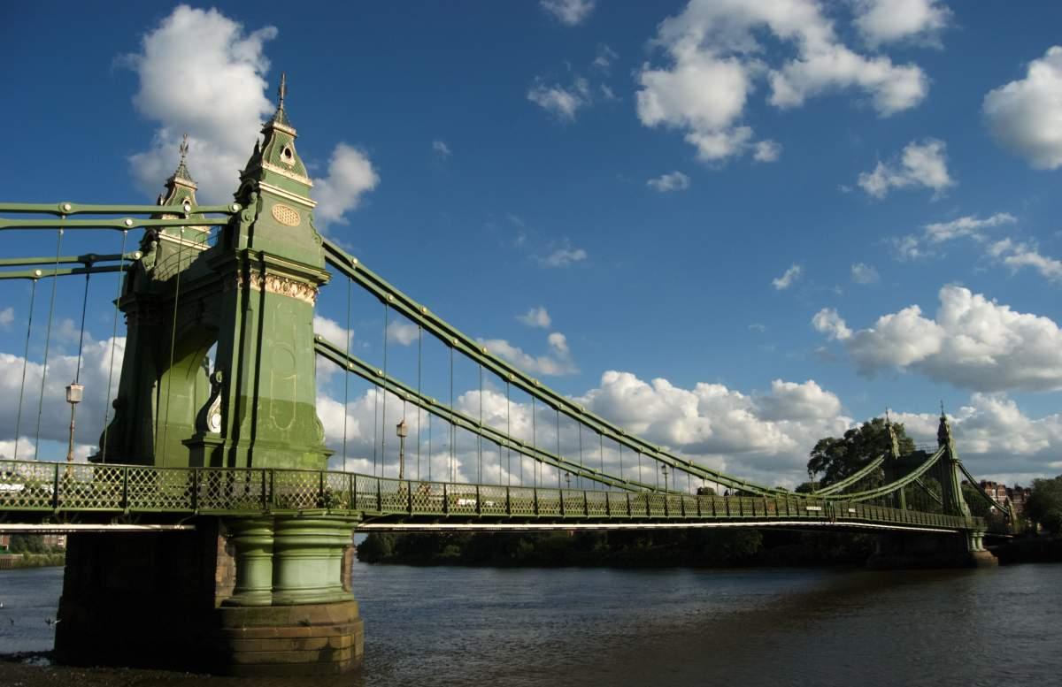 Hammersmith_Bridge_2008_06_19_web