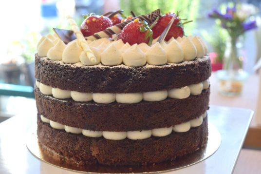 chateau chiswick cake tiered