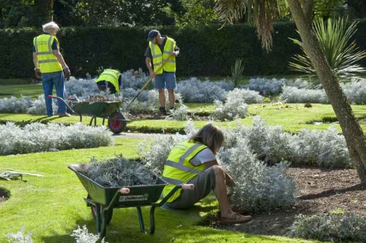 chiswick house conservation volunteers garden